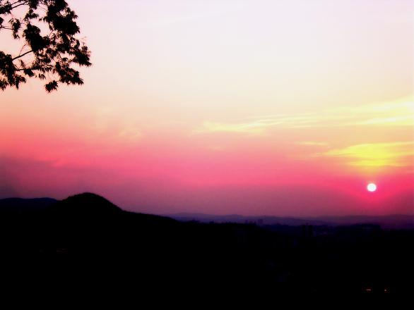 sundown-01-1485643
