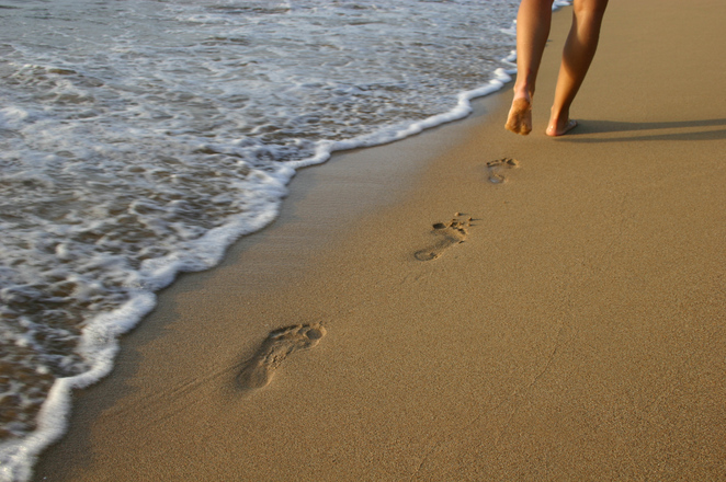 footprints-in-the-sand-1-1540514-1